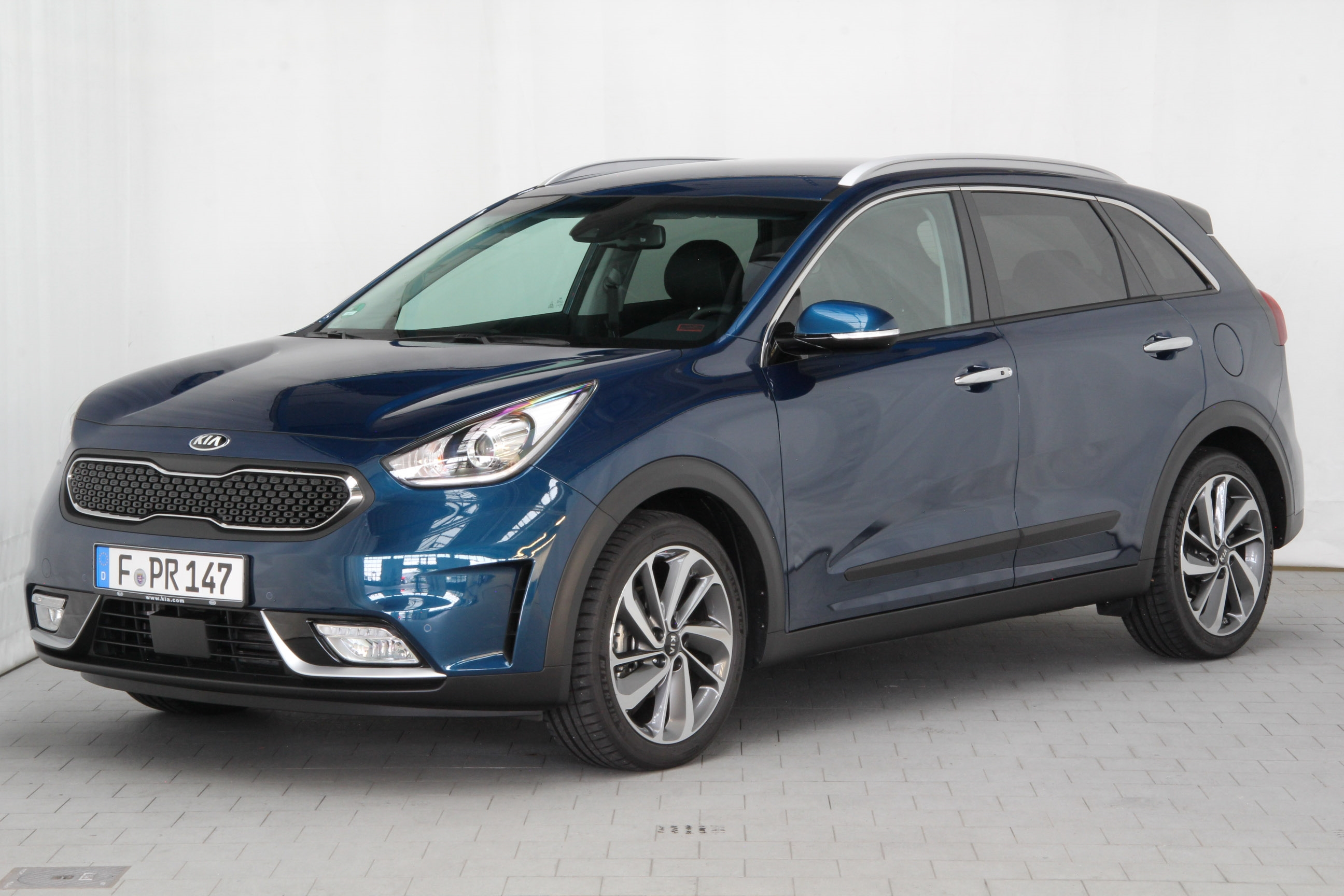 kia niro test complet prix sp cifications. Black Bedroom Furniture Sets. Home Design Ideas