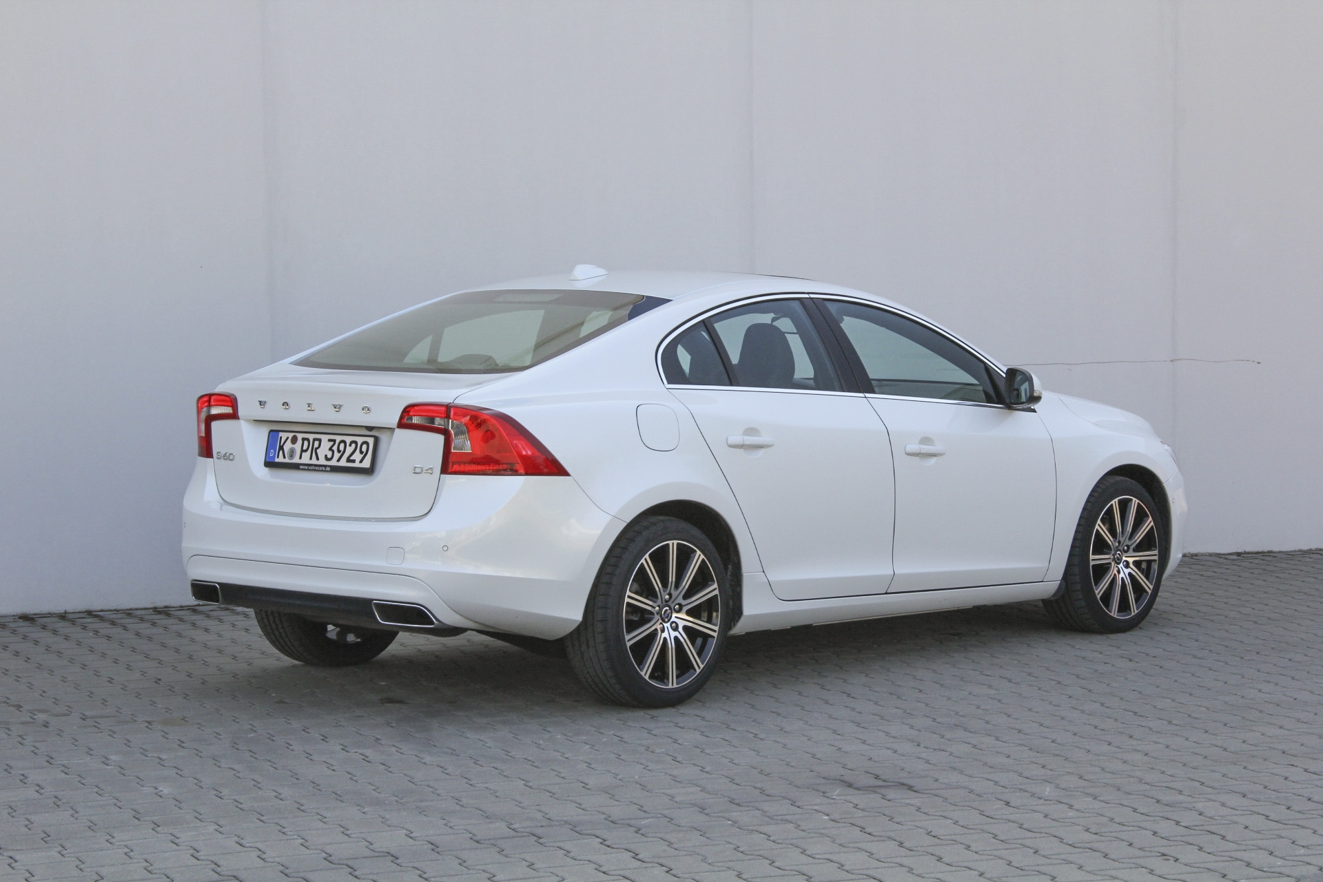 volvo s60 d4 test complet prix sp cifications. Black Bedroom Furniture Sets. Home Design Ideas