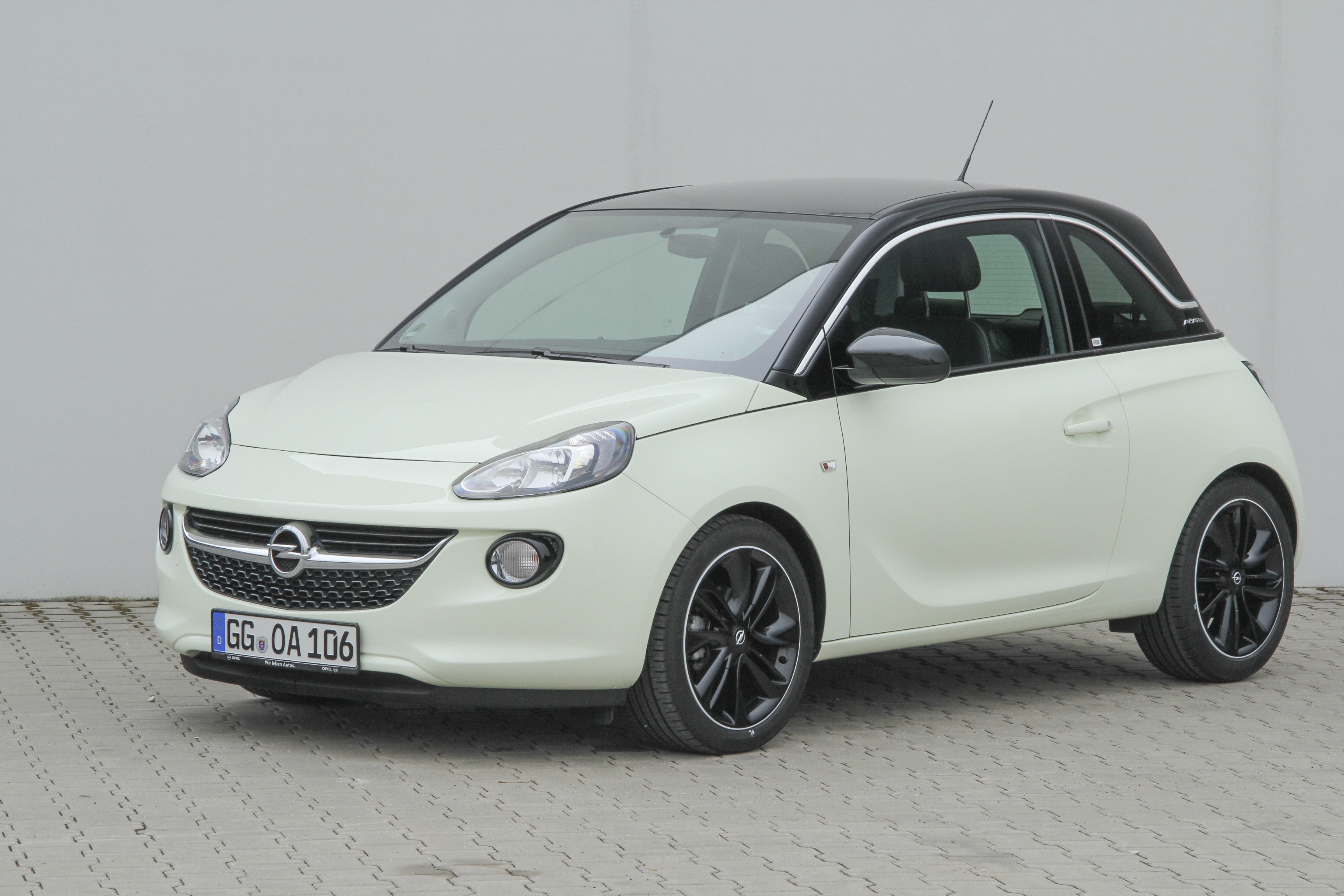 opel adam test complet prix sp cifications. Black Bedroom Furniture Sets. Home Design Ideas